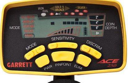 Вид дисплея детектора с селективной дискриминацией на примере Garrett Ace 250